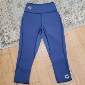 ZAGGORA Thermo Fit Capri Hot Pant Blue XS NWOT